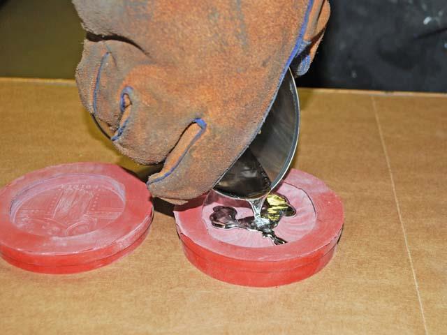 Заливка олова в форму Mold Max 60